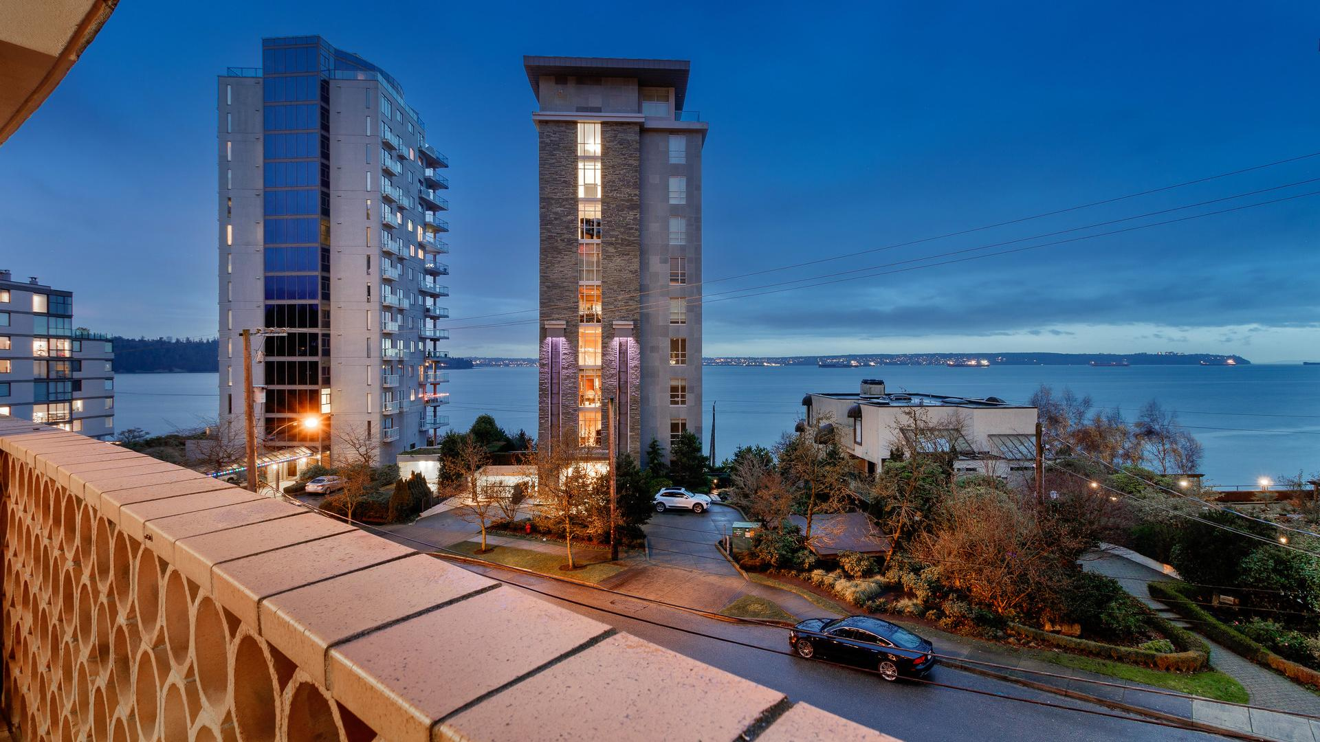 Lower Floor Unit - 2135 Argyle Avenue, Dundarave, West Vancouver