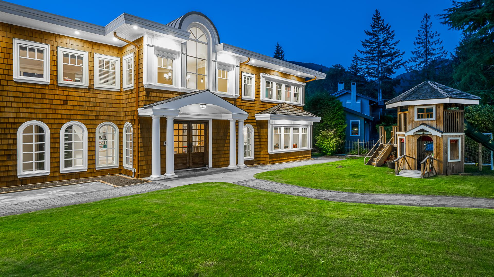 4693 Woodview Place, Cypress Park Estates, West Vancouver