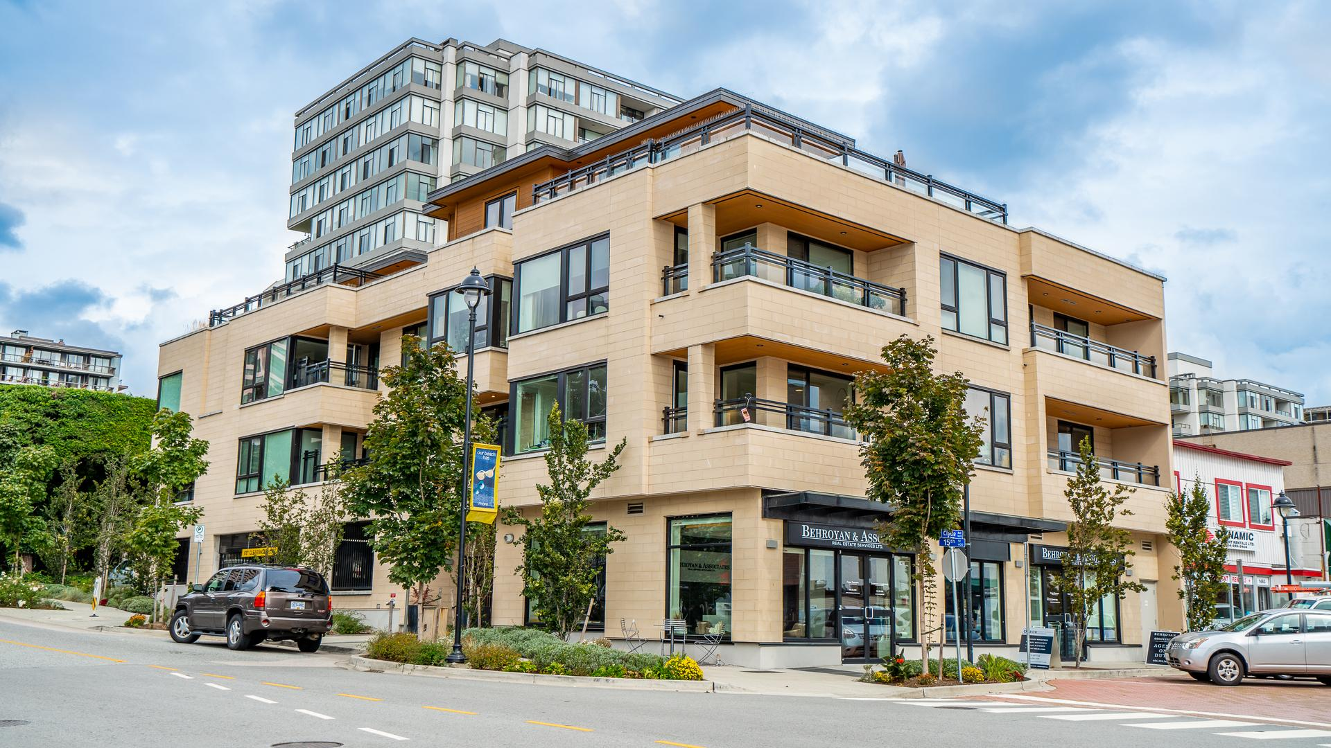 203 - 522 15th Street, Ambleside, West Vancouver