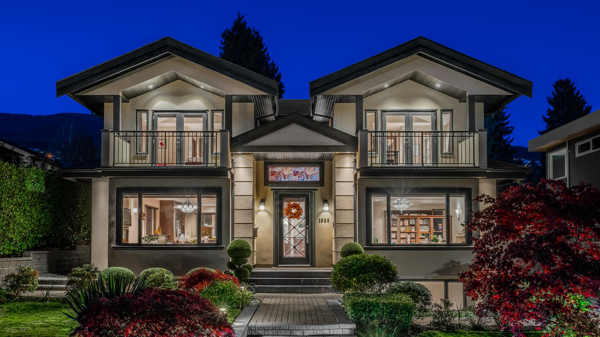 1969 Kings Avenue, Ambleside, West Vancouver